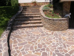 stopnice iz porfdio kamna
