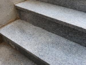 odstranjen soliter iz stopnic