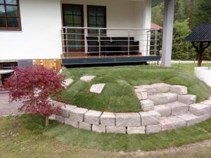 stopnice iz blokov porfido kamna